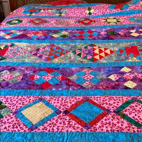 Hand Made Contemporary Quilt Queen/Full